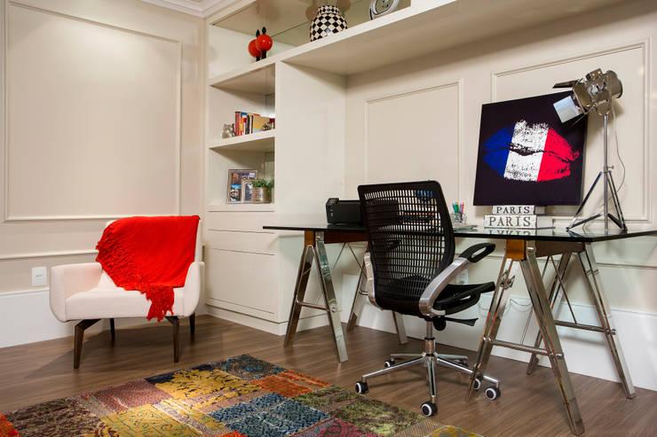 Home Office: Escritórios  por Priscila Koch Arquitetura + Interiores,