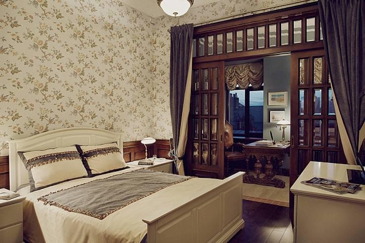 Квартира для ценителей петербургского стиля: Спальни в . Автор – Студия братьев Жилиных