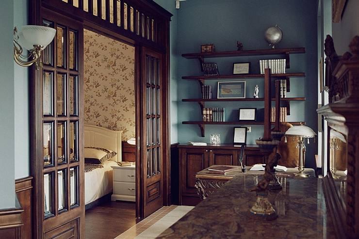 Квартира для ценителей петербургского стиля: Рабочие кабинеты в . Автор – Студия братьев Жилиных