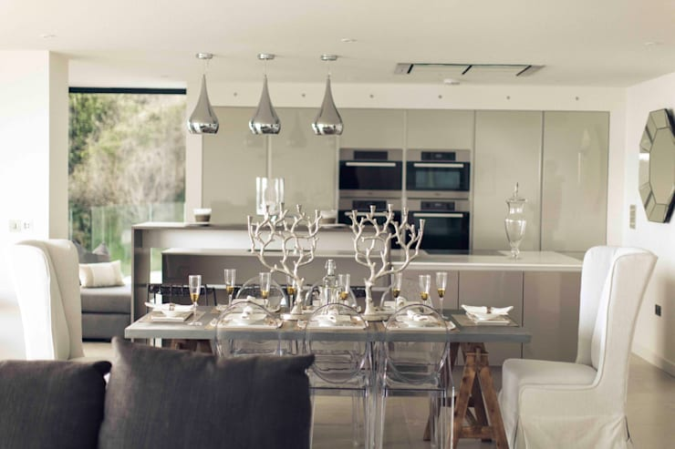 Dining room by Laurence Associates