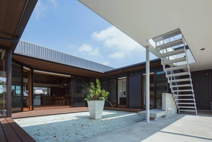 藤井下組の家: 空間設計室/kukanarchiが手掛けたテラス・ベランダです。