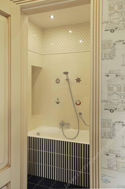 Ванная комната при детской маленького мальчика:  в . Автор – Аврора - частный дизайнер интерьера (ИП)