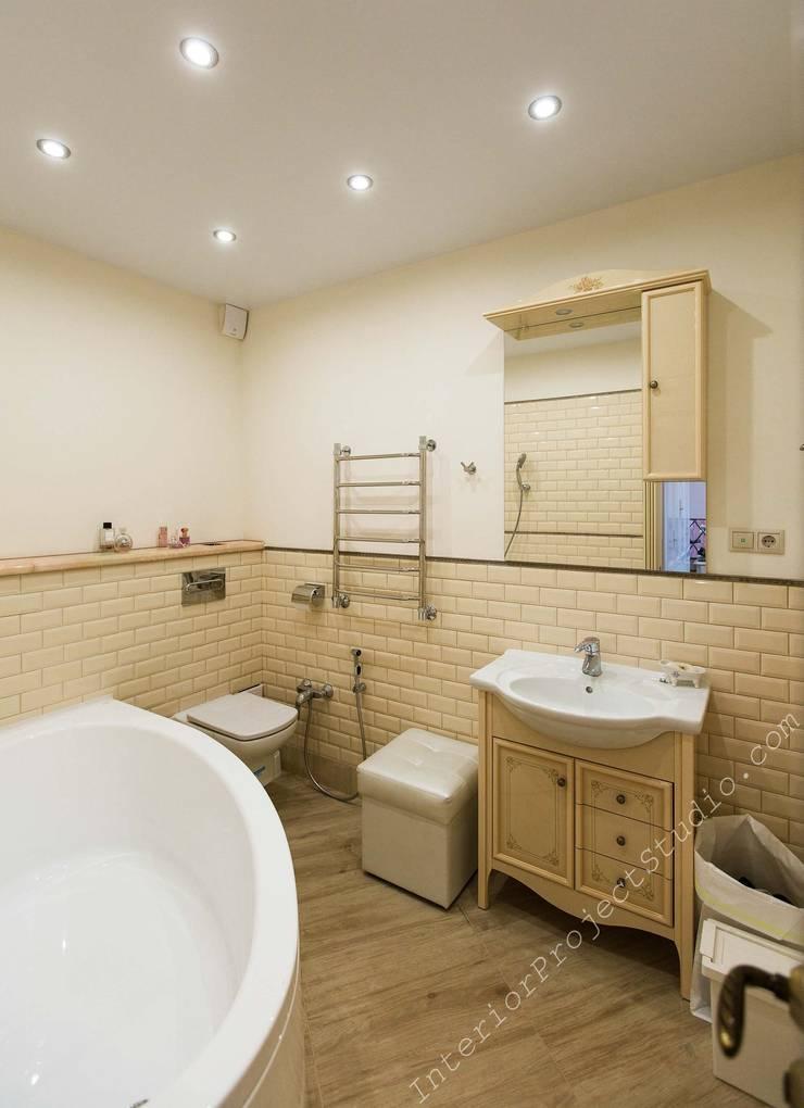 Ванная комната при спальне девочки-подростка:  в . Автор – Аврора - частный дизайнер интерьера (ИП)