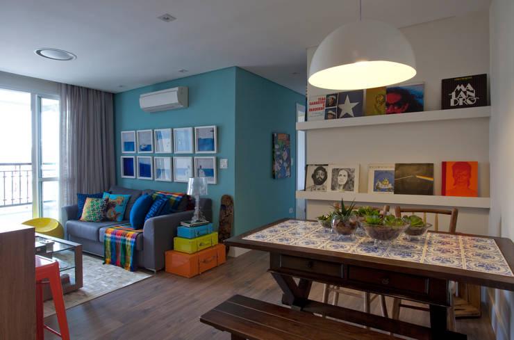 RESIDÊNCIA JO: Salas de estar  por UNION Architectural Concept