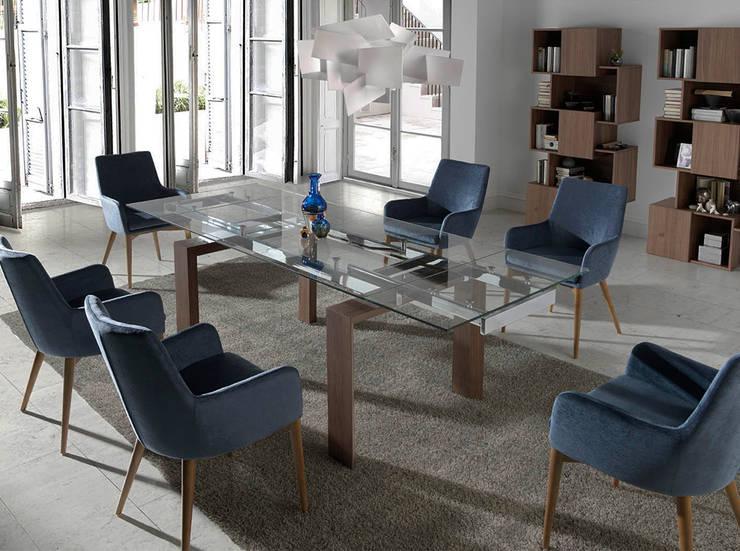 Mesas de refeições Dining tables www.intense-mobiliario.com  Scala http://intense-mobiliario.com/product.php?id_product=8856: Sala de jantar  por Intense mobiliário e interiores;