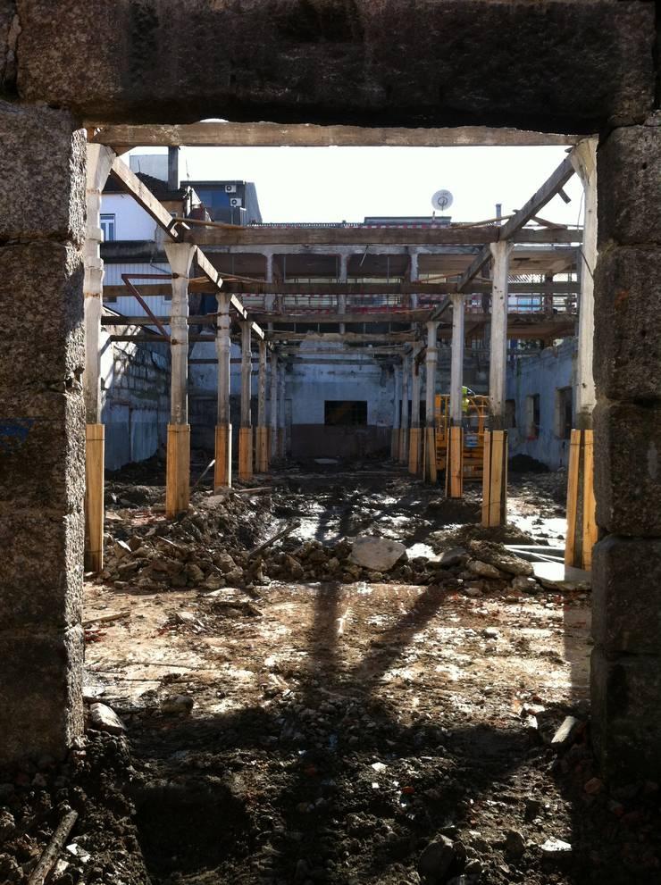 Casa da Memória em Guimarães:   por Miguel Guedes arquitetos