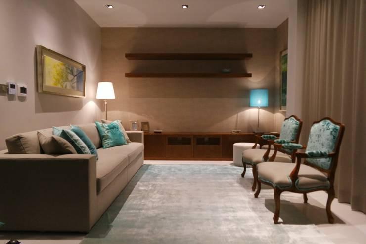 Sala de Estar : Salas de estar  por Stoc Casa Interiores