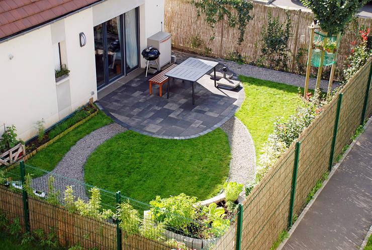 Jardines de estilo ecléctico por RVB PAYSAGE