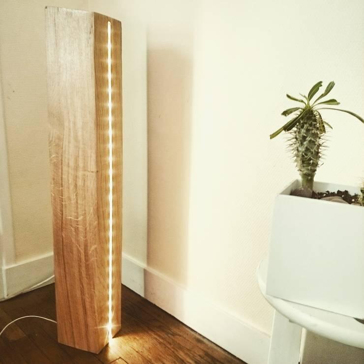 Wood: Salon de style  par Benjamin Couyavah