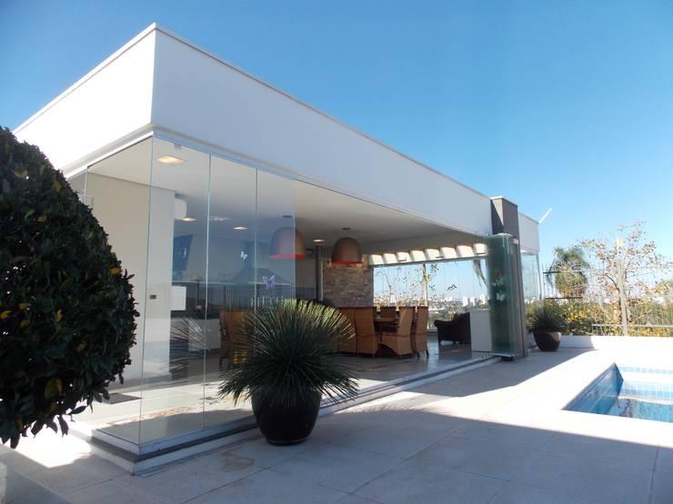 Area Gourmet: Piscinas  por Guilherme Celeste Arquitetura