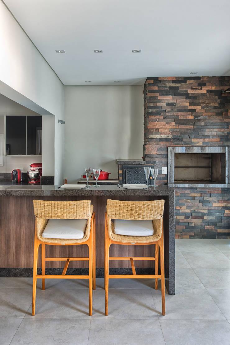 RMS: Cozinhas  por Angelica Pecego Arquitetura