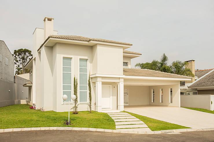 RRBT: Casas ecléticas por Angelica Pecego Arquitetura