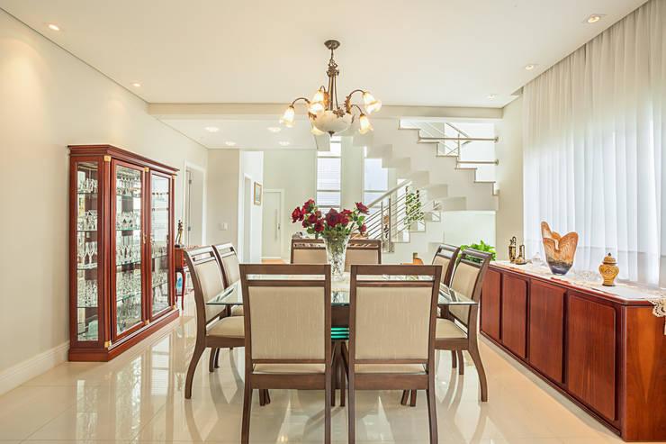 RRBT: Salas de jantar ecléticas por Angelica Pecego Arquitetura