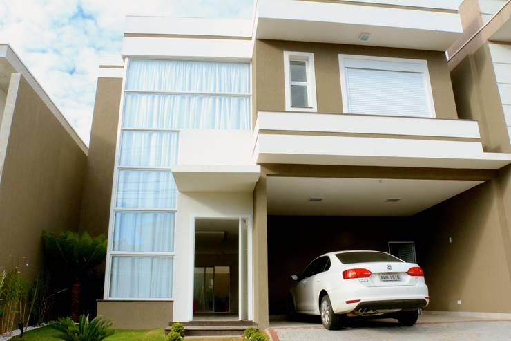 RMC: Casas  por Angelica Pecego Arquitetura,