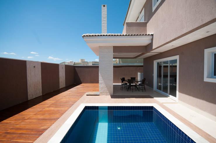 RPA: Piscinas  por Angelica Pecego Arquitetura