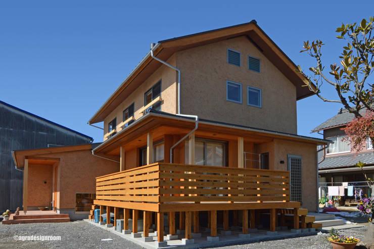 『蔵』の空気感を引き継ぐ外観 オリジナルな 家 の アグラ設計室一級建築士事務所 agra design room オリジナル