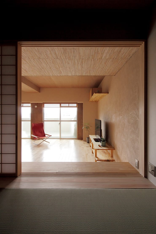 巽の家: ナオ デザイン&パートナーズ/NaO Design&Partnersが手掛けた和室です。