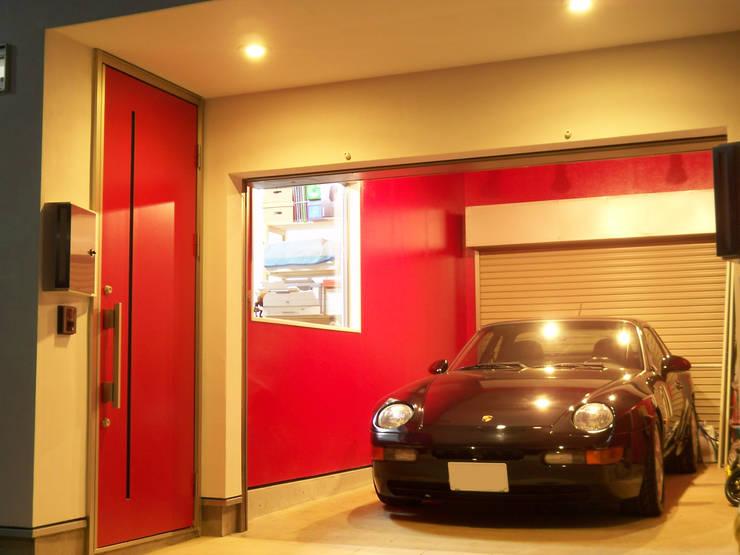 ガレージ: モノマ建築設計事務所が手掛けたガレージ&小屋です。