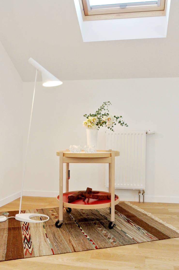 高気密・高断熱住宅 x 温水パネル暖房の快適性: 株式会社 ヨゴホームズが手掛けた子供部屋です。,