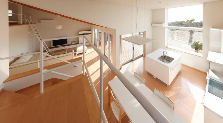 内房の家: 細江英俊建築設計事務所が手掛けたキッチンです。