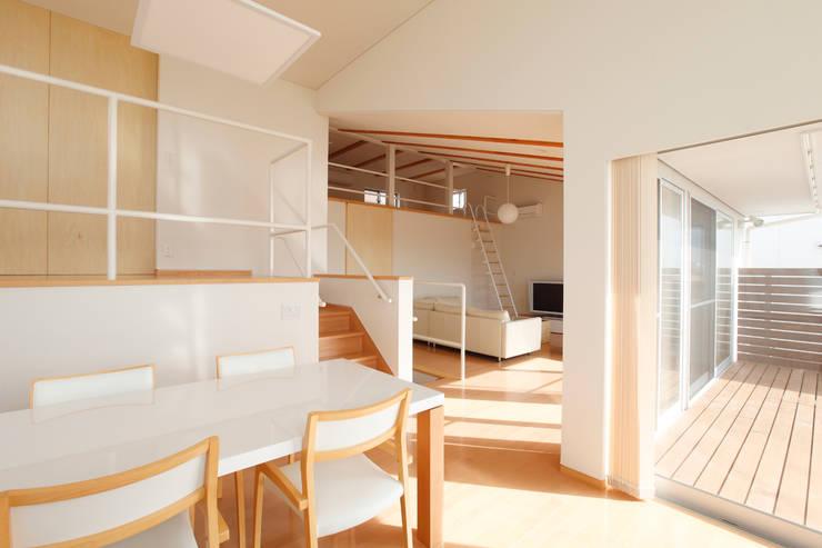 内房の家: 細江英俊建築設計事務所が手掛けたダイニングです。
