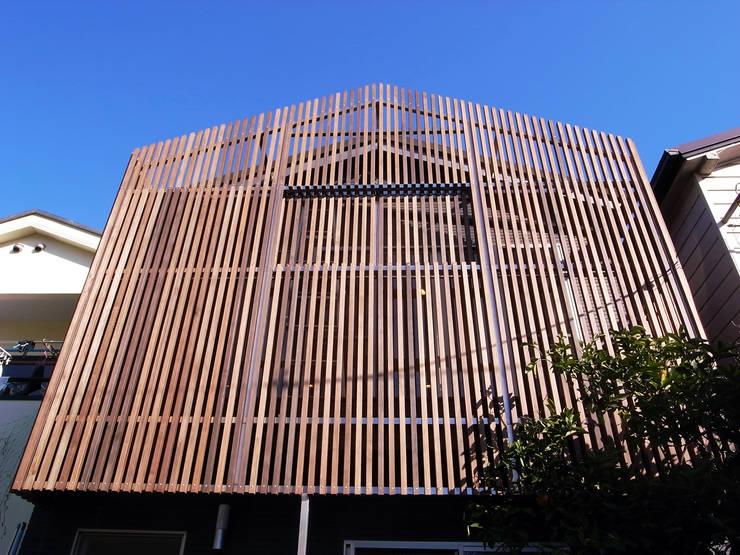 葛飾の住宅: ㈱姫松建築設計事務所が手掛けた家です。