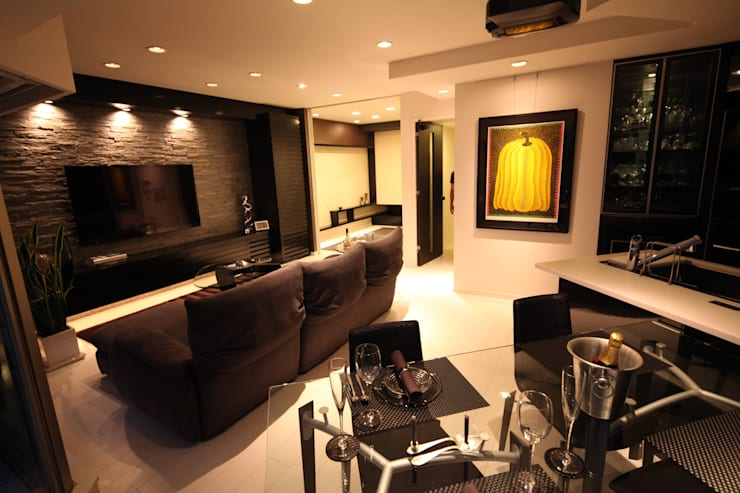 「男の空間」シアターリビング: 株式会社Juju INTERIOR DESIGNSが手掛けた和室です。