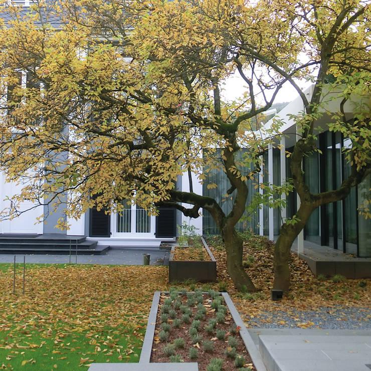 BERND WALDVOGEL LANDSCHAFTSARCHITEKTUR: modern tarz Bahçe