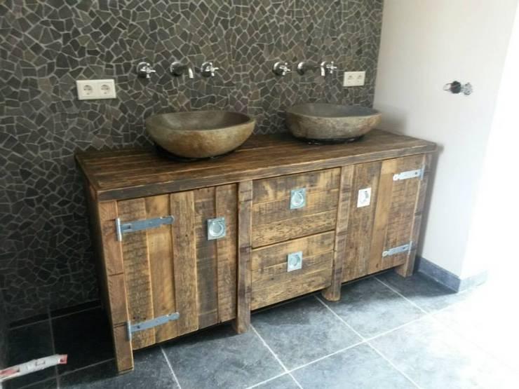 Badkamer meubels op maat:   door maiidee, Landelijk Hout Hout