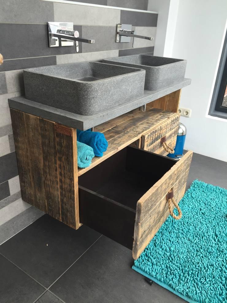 Wastafel meubel met 2 laden en 1 groot vak:   door maiidee, Landelijk Hout Hout