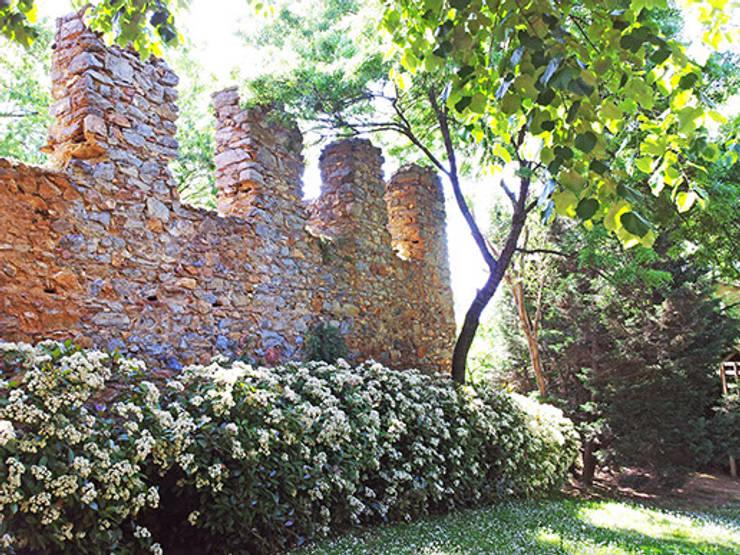 Land Design Factory – S.T. Residence:  tarz Bahçe