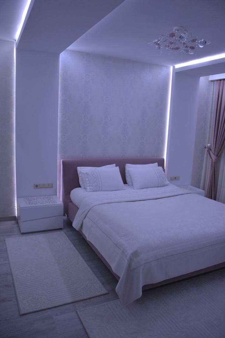 Deco Mimarlik – Özel Konut Tasarımı:  tarz Yatak Odası