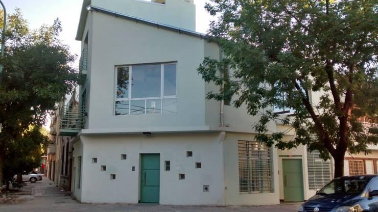 PROYECTO IBERA: Casas de estilo  por ESTUDIO PINKUS S.R.L.,Moderno