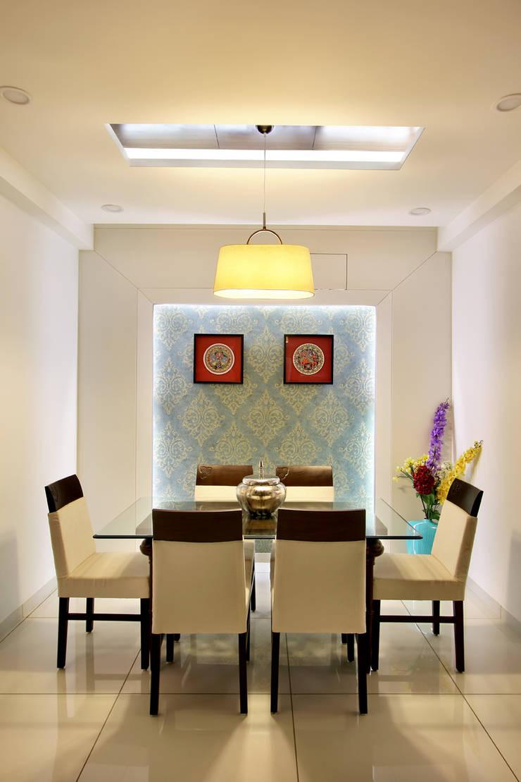SAKET:  Dining room by SPACEPLUS