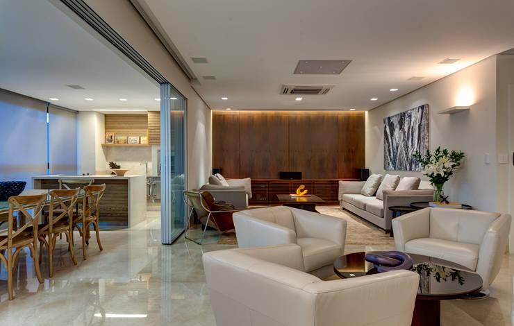 Sala de Estar: Salas de estar  por Lage Caporali Arquitetas Associadas,Moderno
