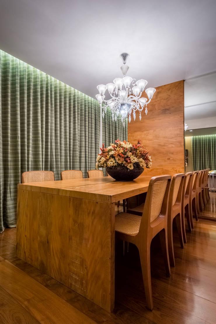 Apartamento Santo Antônio: Salas de jantar  por Melina Mundim | Design de Interiores