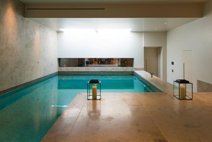 Piscinas modernas por Nash Baker Architects Ltd