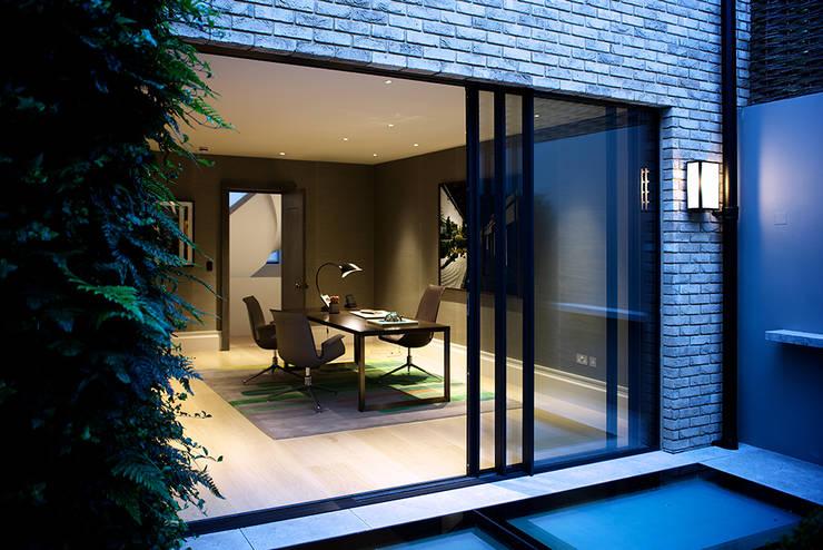 Studio in stile  di Nash Baker Architects Ltd