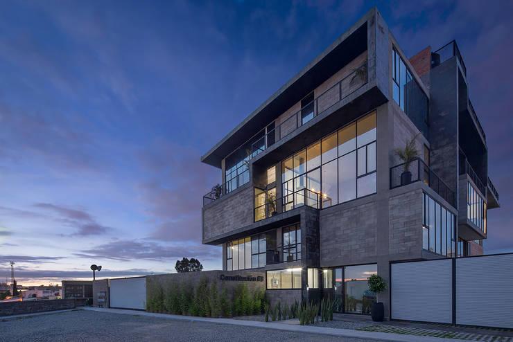 Foto 1: Casas de estilo  por Proyecto Cafeina