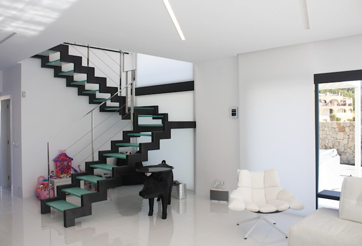 Corridor, hallway & stairs  by DESIGN VILLAS MORAIRA SL