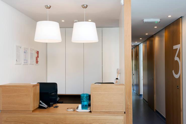 Recepção: Clínicas  por Teresa Pinto Ribeiro | Arquitectura |