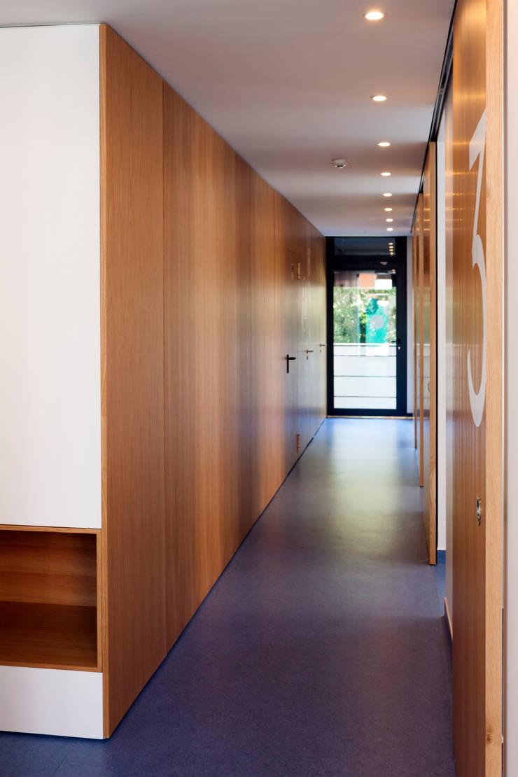 Circulação: Clínicas  por Teresa Pinto Ribeiro | Arquitectura |