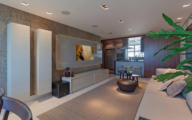 Loft Belvedere: Salas de estar modernas por Dubal Arquitetura e Design
