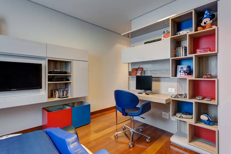 modern Nursery/kid's room by Lage Caporali Arquitetas Associadas