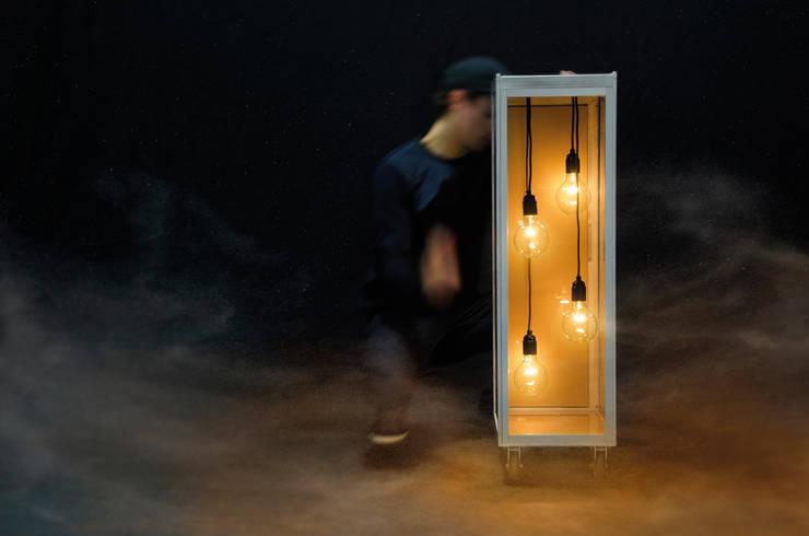 SKYLIGHT: modern  door Grego Design Studio, Modern