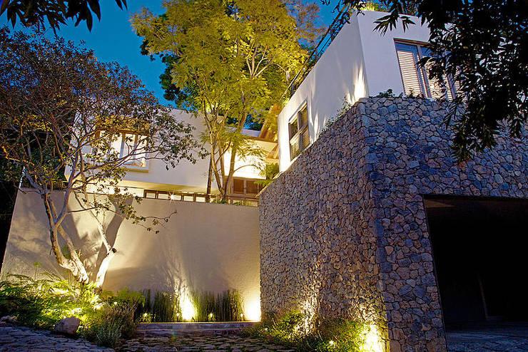 Projekty,  Domy zaprojektowane przez Mayúscula Arquitectos
