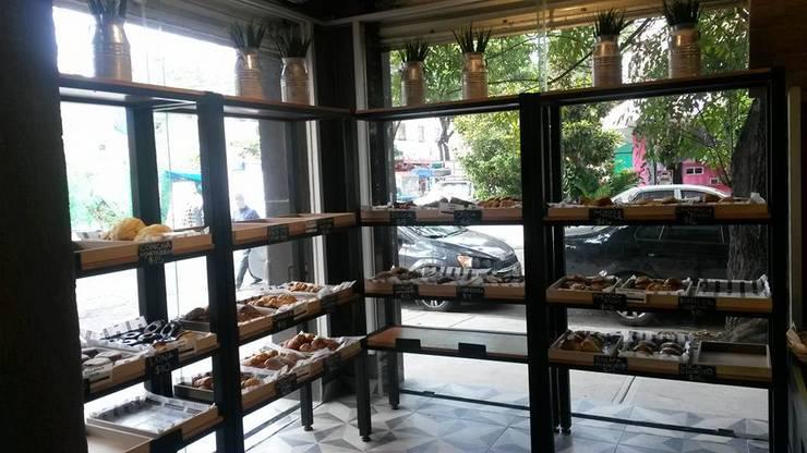 Panaderías La Artesa, sucursal Roma: Espacios comerciales de estilo  por Purista Interiorismo