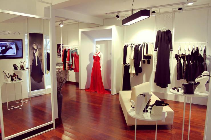 BUJU DESIGN – Nueve Collection Showroom Nişantaşı: minimalist tarz , Minimalist