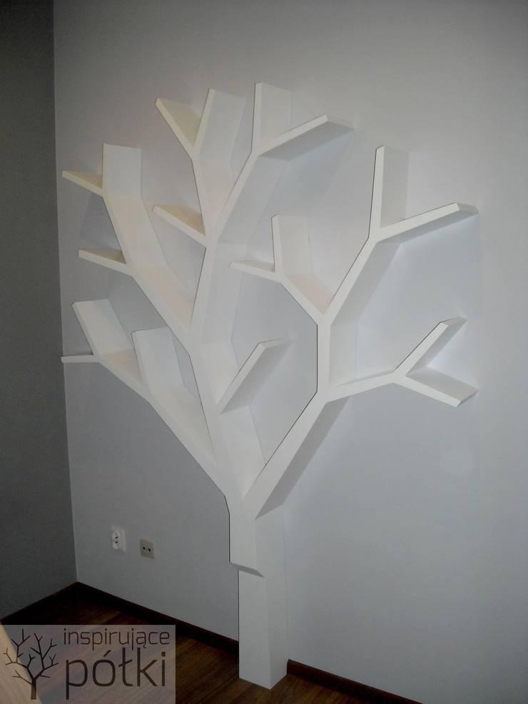 Półka jak drzewo 210x180: styl , w kategorii Domowe biuro i gabinet zaprojektowany przez INSPIRUJĄCE PÓŁKI