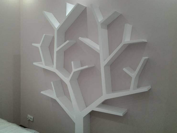 Półka jak drzewo 210x170x18cm: styl , w kategorii Pokój dziecięcy zaprojektowany przez INSPIRUJĄCE PÓŁKI